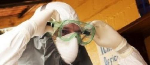 Ebola, si rafforzano le misure in tutto il mondo