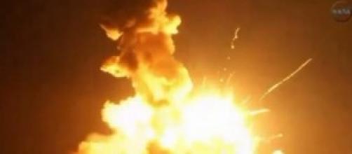 Razzo Antares esplode dopo 6 secondi dal lancio