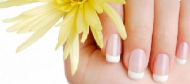 Cuide das unhas com baixo custo e muita beleza.