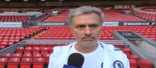 Josè Mourinho in testa con il suo Chelsea