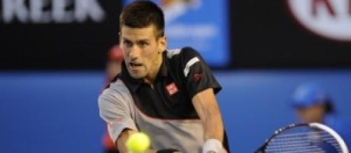 Il neo papà Novak Djokovic in azione