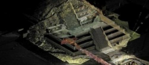 Túnel subterrâneo de Teotihuacan, México