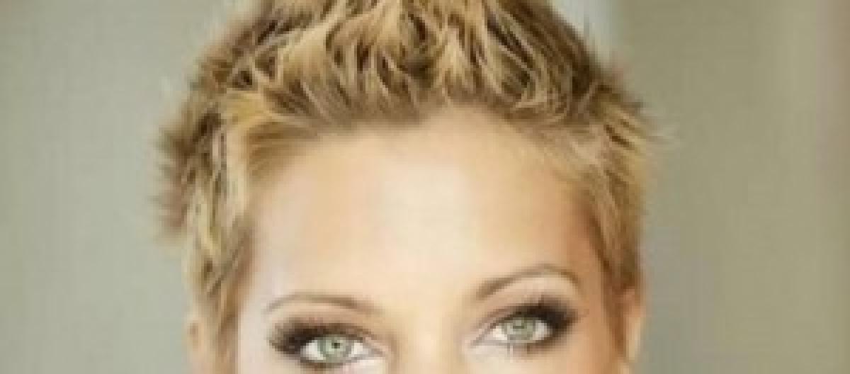 2d4129ed7 Le novità della moda capelli donna: l'effetto mosso, i corti e gli scalati  sono in auge