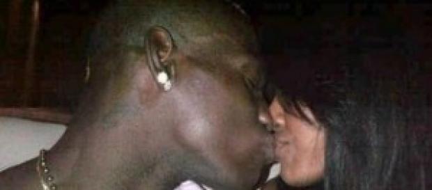 Gossip news: Mario Balotelli con la sosia di Fanny