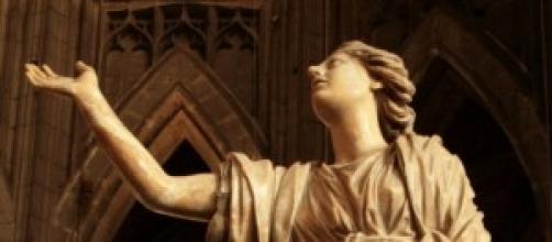 Escultura que representa la Esperanza.