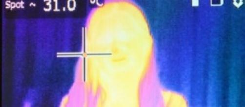 Imagem térmica parcial mulher