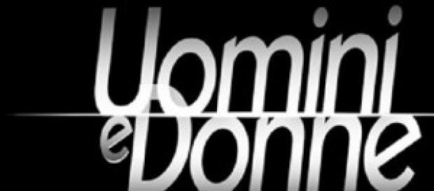 Uomini e Donne: ex corteggiatore attacca Jonas
