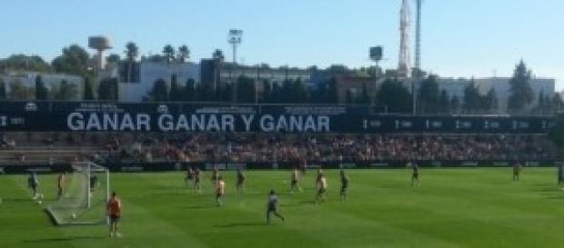 Entrenamiento del Valencia ante 3.000 aficionados