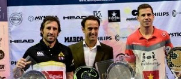 Navarro y Grabiel, con sus trofeos de ganadores
