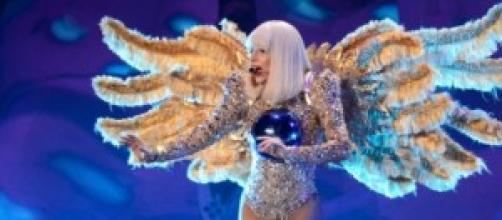 Lady Gaga actuando en el artRAVE