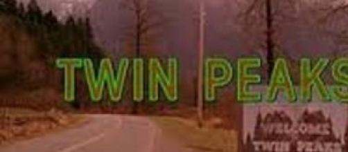 Il cartello di benvenuto a Twin Peaks