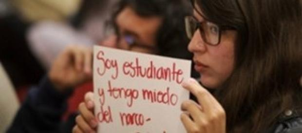 Estudiantes protestando en todo México