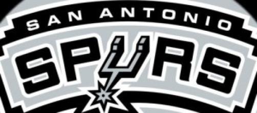 San Antonio Spurs siguen con su racha