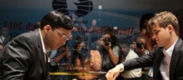 Anand y Carlsen se baten en el mundial