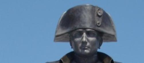 Escultura de Napoleón emplazada en París