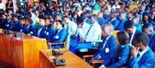 Les députés junior au palais des congrès à Yaoundé