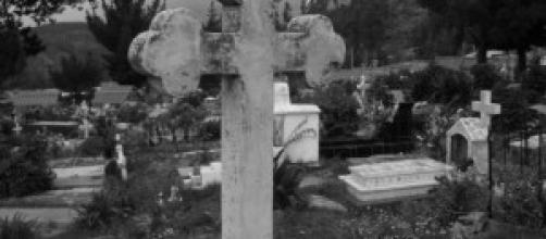En España hablar mal de los muertos es tabú.