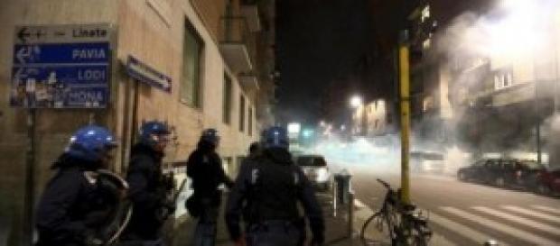 Gli scontri notturni di martedì a Milano