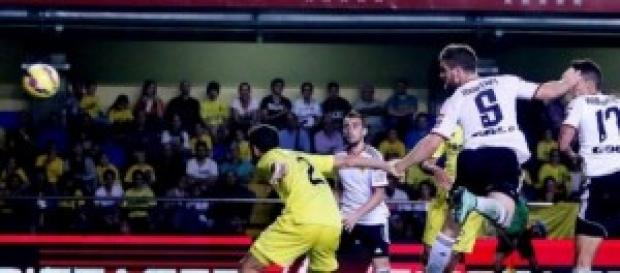Mustafi remata y marca ante Villarreal