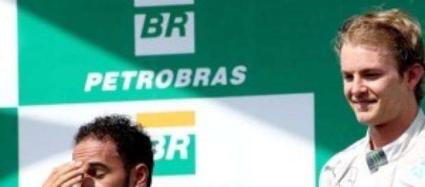 Rosberg y Hamilton se jugarán mañana el título.