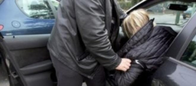 Carjacking: Homem sequestrado na A5 em plena hora de ponta