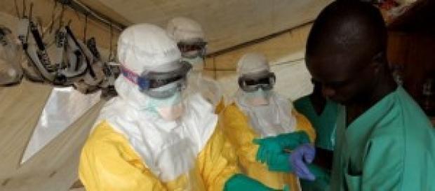 Ebola, le news di oggi sul medico italiano