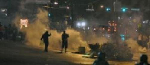 Nuove rivolte e proteste a Ferguson.