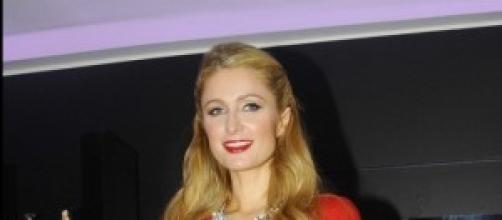 Paris Hilton presenta su fragancia : With Love.