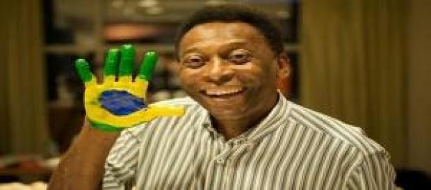 """El ex astro brasileño del fútbol mundial """"Pelé"""""""