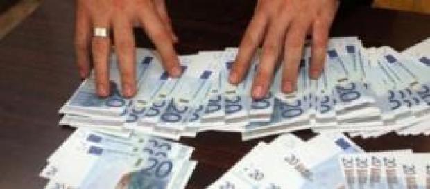 Euro falsi recuperati dai carabinieri.