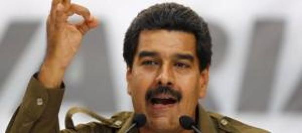 Maduro abandona a sus estudiantes en España.