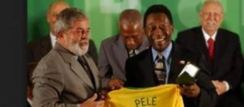 Estado de saúde de Pelé regista melhorias?