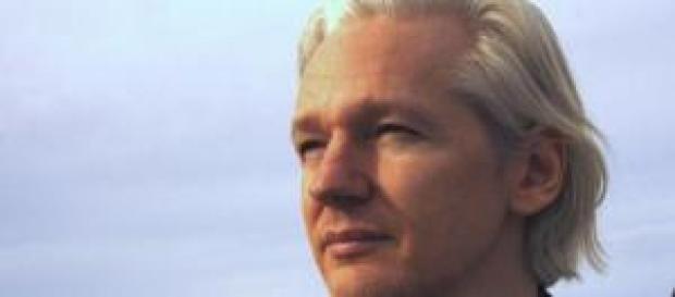 Assange asegura que Google trabaja para EEUU