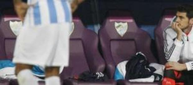 Casillas, en el banquillo en Málaga. Foto: Marca