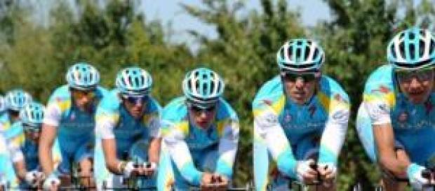 El equipo Astana en competición