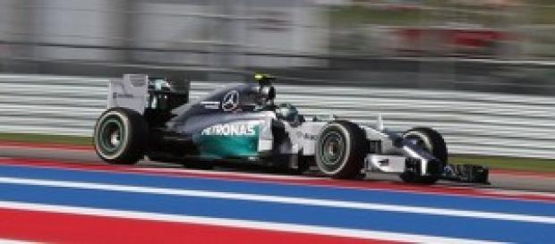 Ascolti Tv 2 novembre 2014: flop per la Formula1