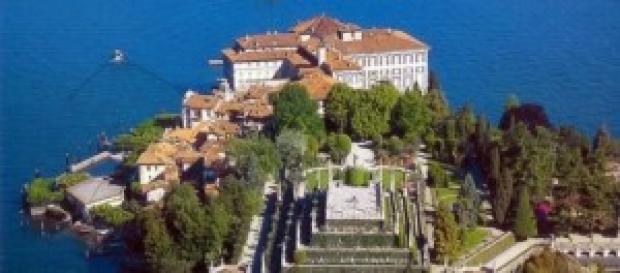 Una veduta dall'alto del Lago Maggiore