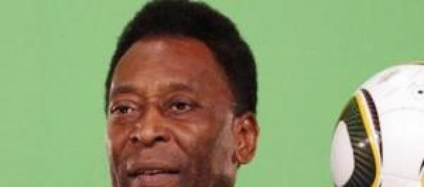 Pelé se encontra internado em São Paulo