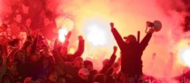 Ultras en pleno extasis en un partido.