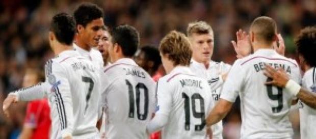 El equipo celebra la victoria. Foto: Real Madrid