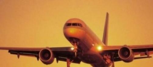 Aereo in volo colpito da fulmine