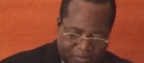 Robert Nkili, Ministre camerounais des transports