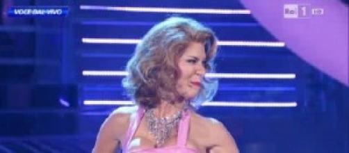 Veronica Maya mostra seno in Tv: boom Twitter