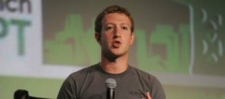 Mark Zuckerberg siempre vestirá remera gris
