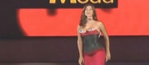 Gossip news: Veronica Maya fuori di seno in tv.