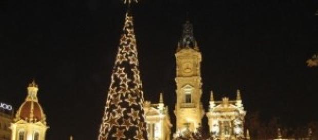 L'albero di Natale nel pieno centro di Valencia