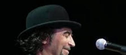 El cantautor Joaquín Sabina en un concierto