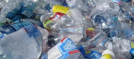 Recycling plastic bottles