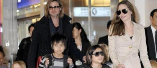 Angelina y Brad con sus seis hijos.