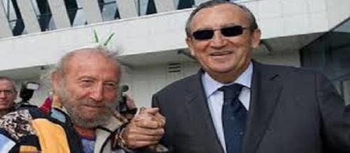 Juan Ripollés y Carlos Fabra en el aeropuerto